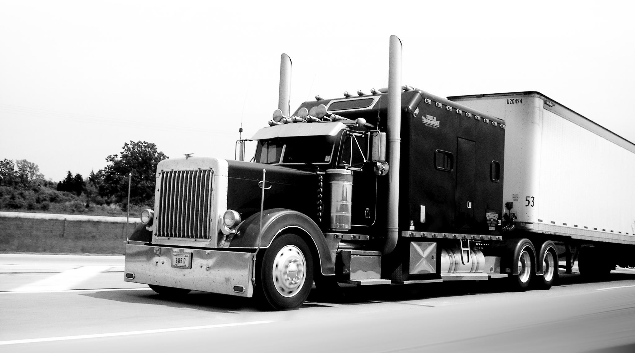 truck-1560934